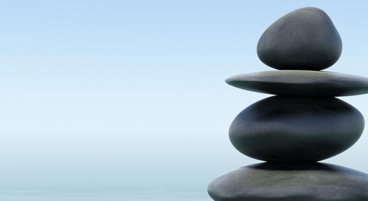 stones-pyramid